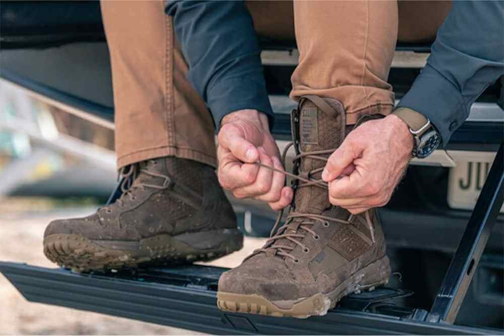 are combat boots good for hiking